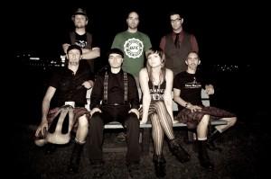 Les sept membres du groupe Irish Moutarde. Photo: Vincent Cadoret