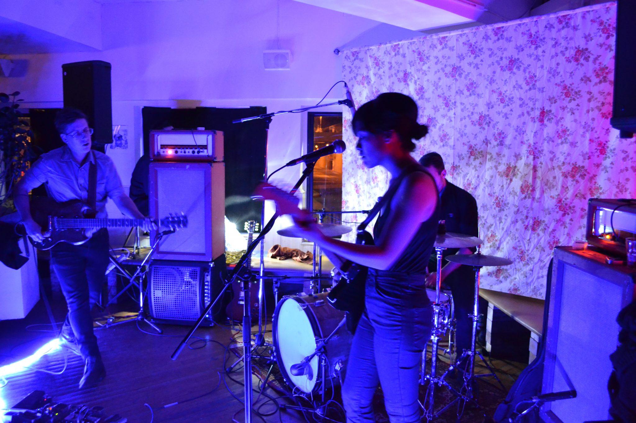 Le groupe semblait voguer dans une autre dimension, mais il était en total contrôle de sa musique. Photo: A. Lemieux