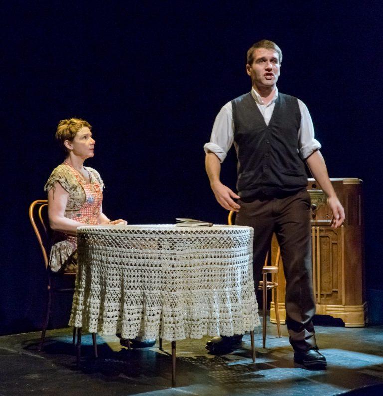 Théâtre des Nouveaux Compagnons: L'adolescence en deux temps