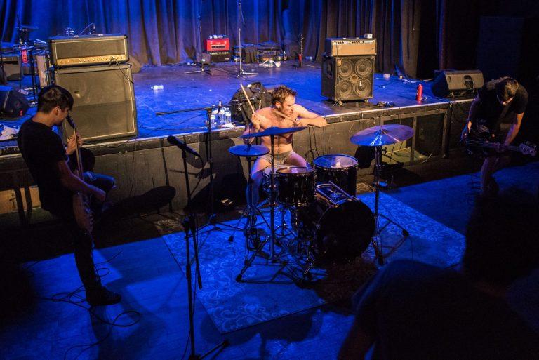 Guerilla Poubelle et cie au Satyre Cabaret-Spectacle: Une soirée punk-rock bien remplie