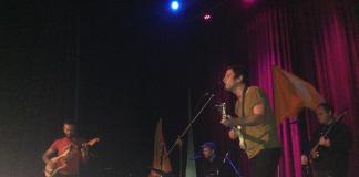 Le groupe Plants and Animals en performance lors de leur visite à Trois-Rivières, le 4 novembre dernier. Photo: Caroline Filion