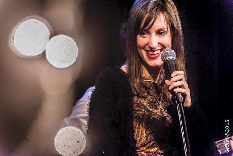 Andréanne Martin: Socio-financement pour la chanson «Mes seins»