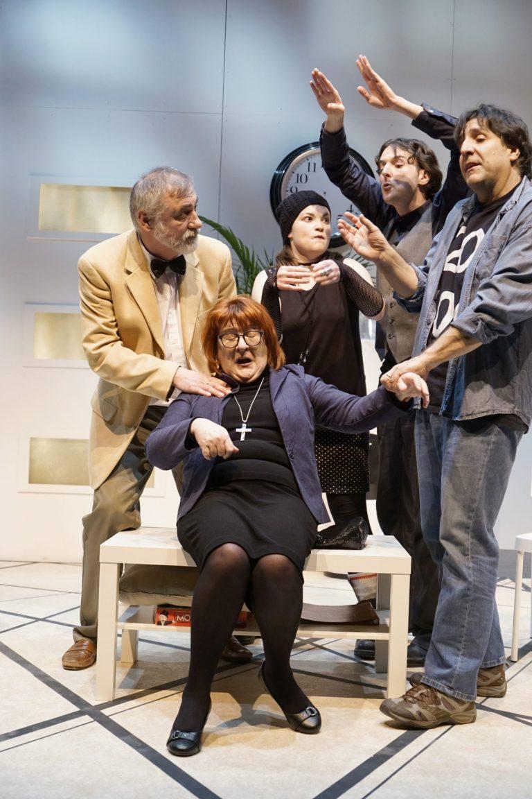 Théâtre des Gens de la Place: Un théâtre drôlement malade