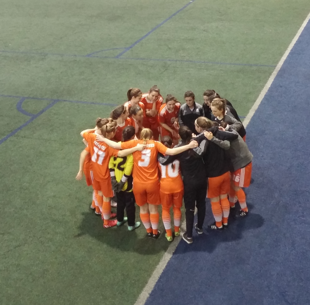 L'équipe féminine est soudée après une bonne saison. Photo: Étienne Lebel-Michaud