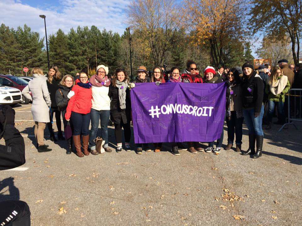 Le Groupe d'Actions Femmes de l'UQTR (ici, lors du rassemblement contre la culture du viol en novembre 2016 est également une ressource d'aide pour les victimes de violences sexuelles. Photo : Groupe d'Actions Femmes de l'UQTR.