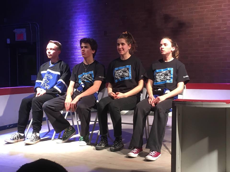 L'équipe des Bleus lors d'une improvisation immobile. Crédit photo: Marianne Chartier-Boulanger